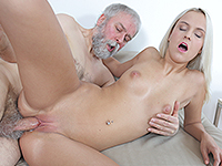 Joleyna Burst : Experienced man gives a sex lesson to blonde. : sex scene #13