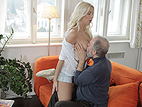 Karol Loilien : Hard-working old man satisfies a blondie. : sex scene #3