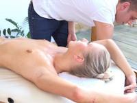 Dany : Kinky lad lies down on a slim blonde : sex scene #5