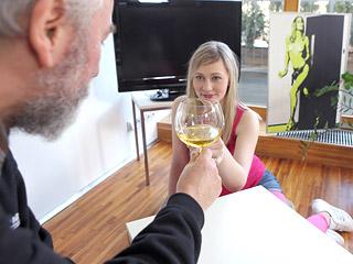 Renata movie preview picture