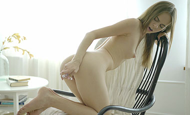 Sex with Young Vivian Free Photo